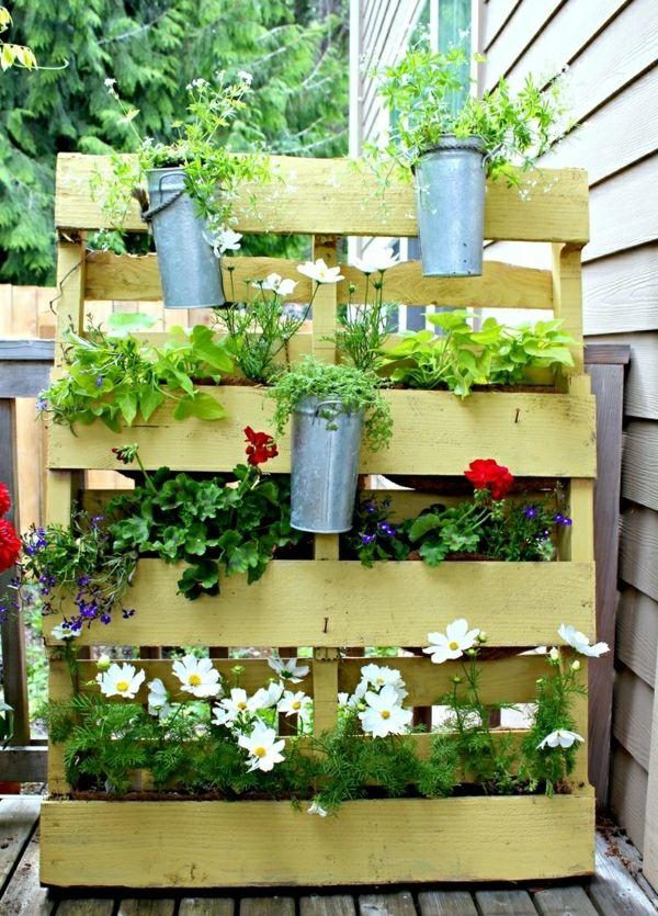 kleiner Balkon gestalten Ideen Holz Kasten Pflanzen Garten - schlafzimmer pflanzen