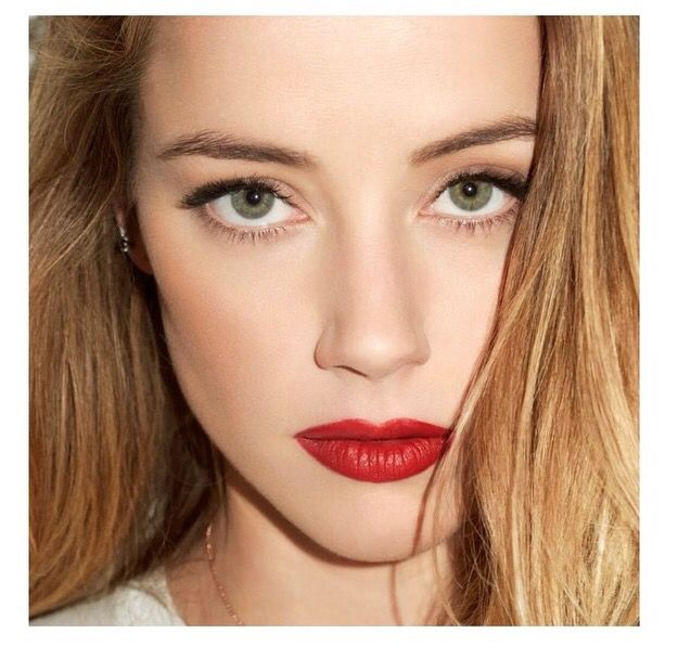 Inspiração maquiagem com destaque para os lábios