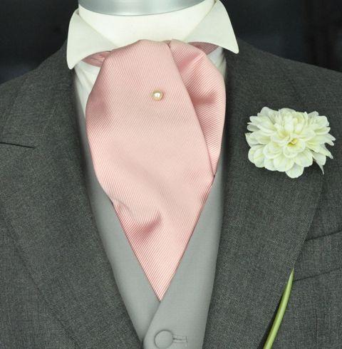 Lavalli re mariage un mariage classique x a classic wedding pinterest lavalli re Costume decontracte mariage
