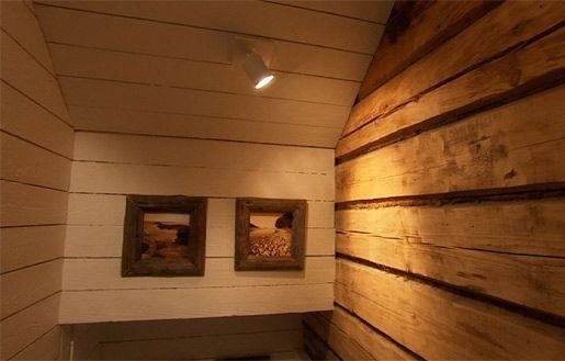 T.i.l.a. tilat muutoksen jälkeen, 21.10.2010 Copyright: MTV Oy / kellarin portaikon valaistus