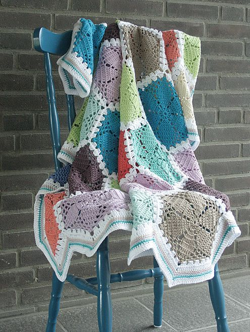 Crochet lace hexagon blanket | Happy in Red