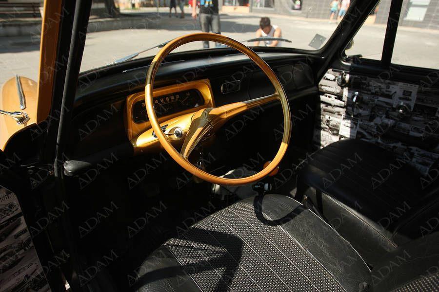 vytuningovaná Škoda MB 1000