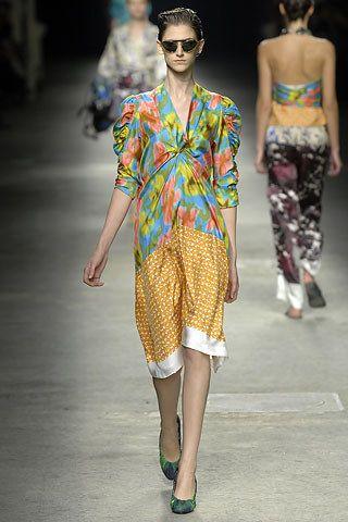 Dries Van Noten Spring 2008 Ready-to-Wear Fashion Show - Daiane Conterato (Elite)