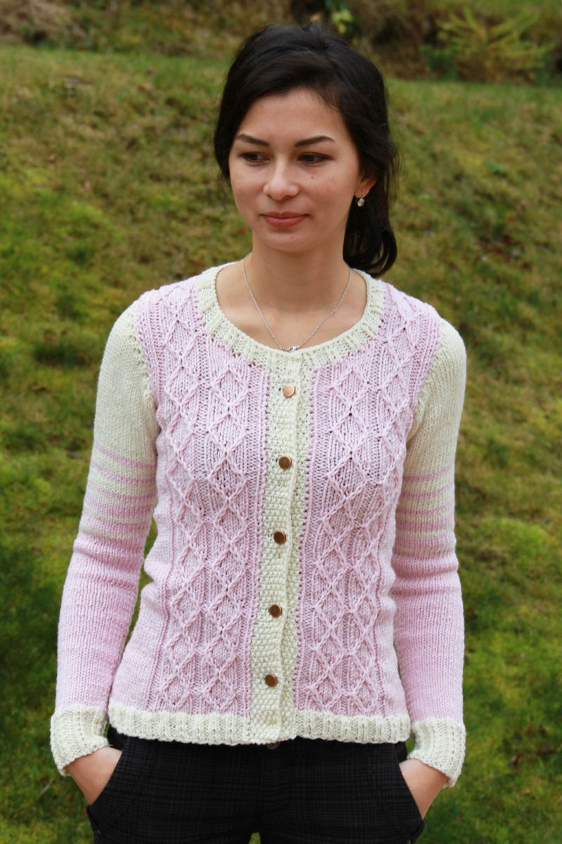 a99df38c88d5 Jak uplést svetr - návod na dámský pletený cardigan
