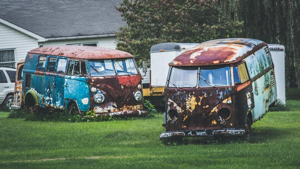 Dreams In Rust Vw Buses Abandoned And Rusted Out With Images