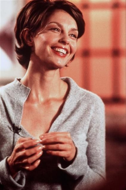 Someone Like You I Used To Have It Kinda Want To Have This Haircut Back Short Hair Styles Ashley Judd Hair Styles