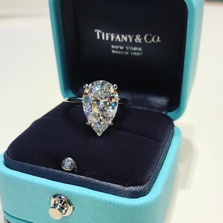 Tiffany 60% OFF! Surprise😍 Tiffany&Co💎 #classy #luxury #luxe #inspiration #fashionblogger #instagood #luxurylife #luxurytravel #luxurylifestyle #lifestyle… #Jewelry #Tiffany #style #Accessories #shopping #styles #outfit #pretty #girl #girls #beauty #beautiful #me #cute #stylish #design #fashion #outfits #diy #design