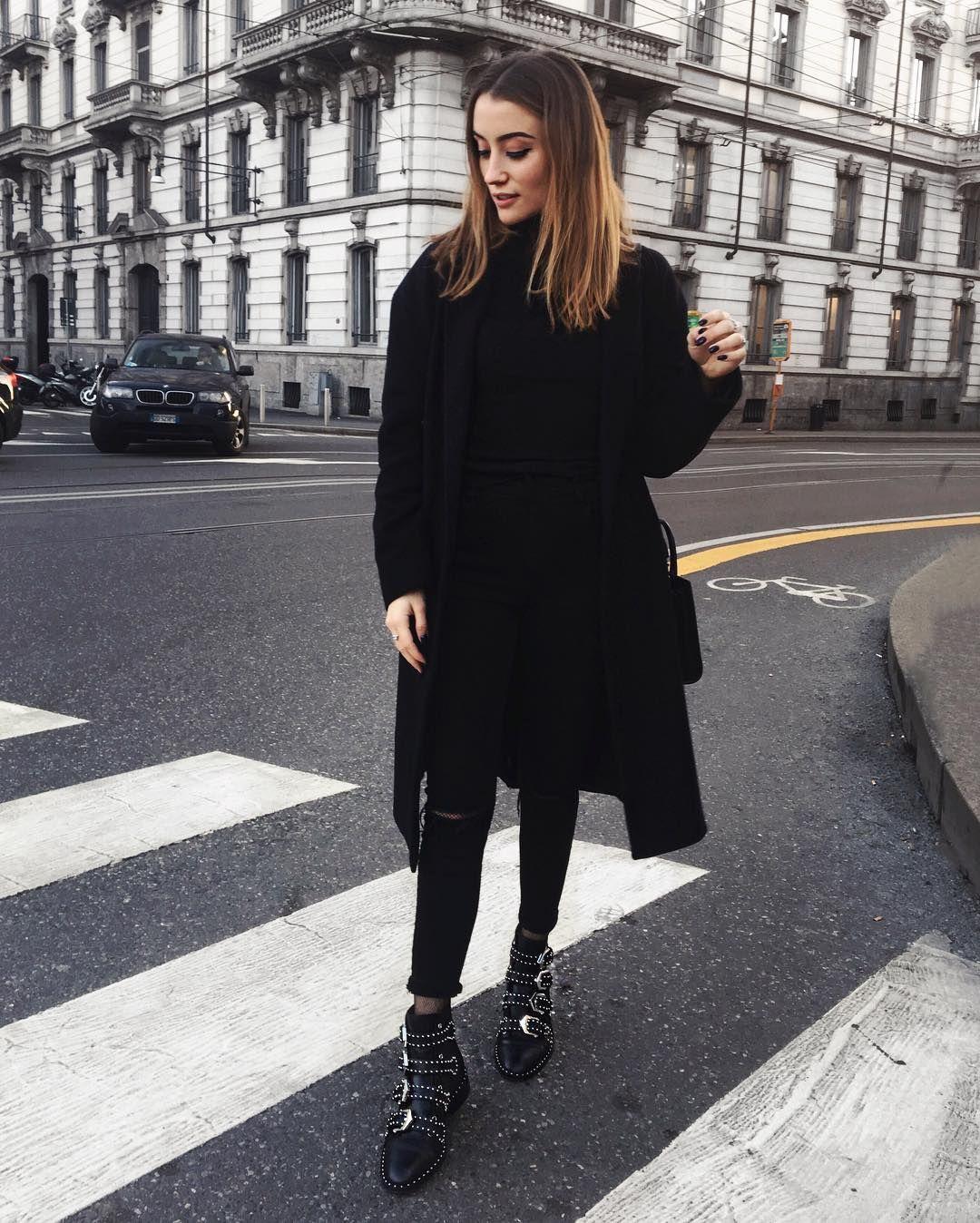 chlo b chloebbbb photos et vid os instagram black white outfits pinterest fashion. Black Bedroom Furniture Sets. Home Design Ideas