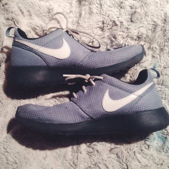save off 6c7f0 2aa0b Nike roshe runs Blue gray roshe runs. Youth size 5.5 will fit women size 7.  Has some slight wear on shoes and knick in front rubber on right shoe (as  ...