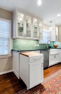 Love the piece that comes out for extra counter space in a tiny kitchen