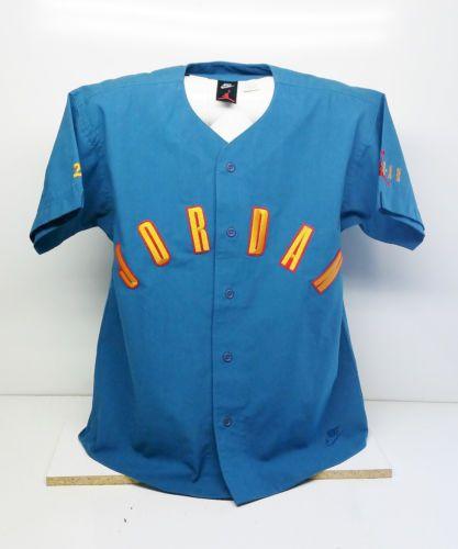 31df24226b6fe3 EXTREMELY RARE Nike Air Jordan Button Up Baseball Style Shirt Men s Size M