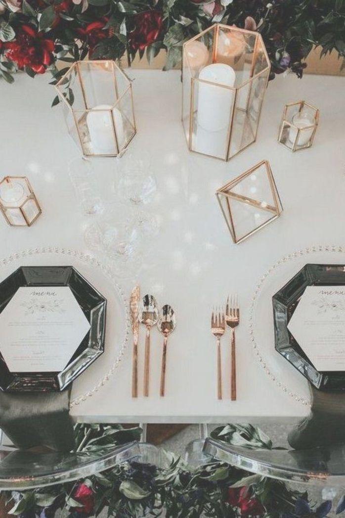 wedding centerpiece ideas with black plates and geometric candle holderschic wedding centerpiece ideas with black plates and geometric candle holders