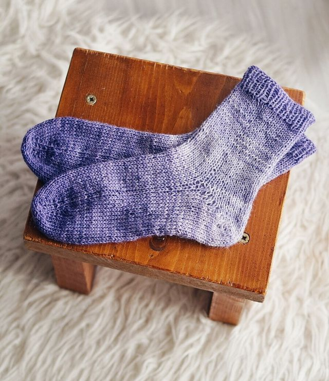 BASIC BED SOCKS WITH PAINTBOX YARNS SOCKS (Little Things ...