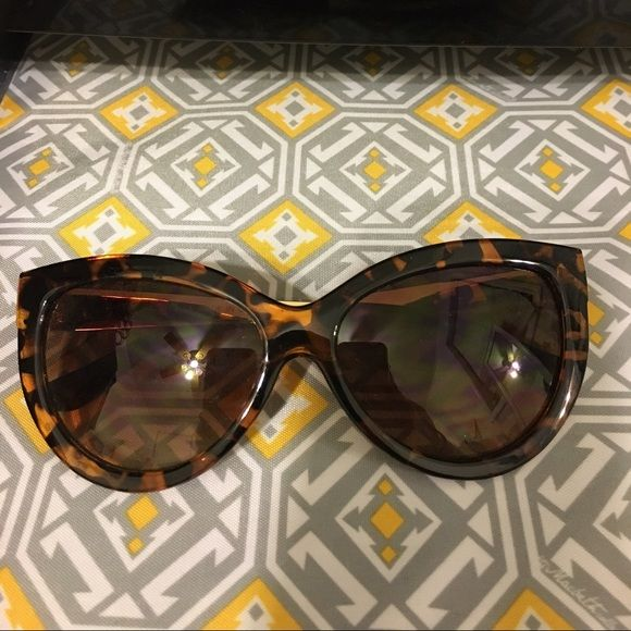Aldo sunglasses Cat eye tortoise gold arms. So cute! Never worn ALDO Accessories Sunglasses