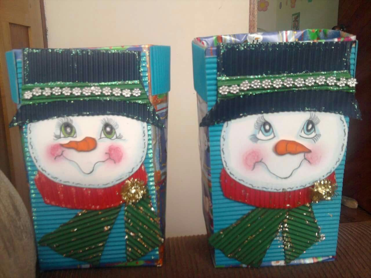 Cajas de leche recicladas. Cajas para confites navideña