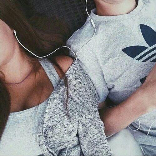 Ella es Sheila una chica de 20 años, es influencer de instagram, vive… #romance # Romance # amreading # books # wattpad