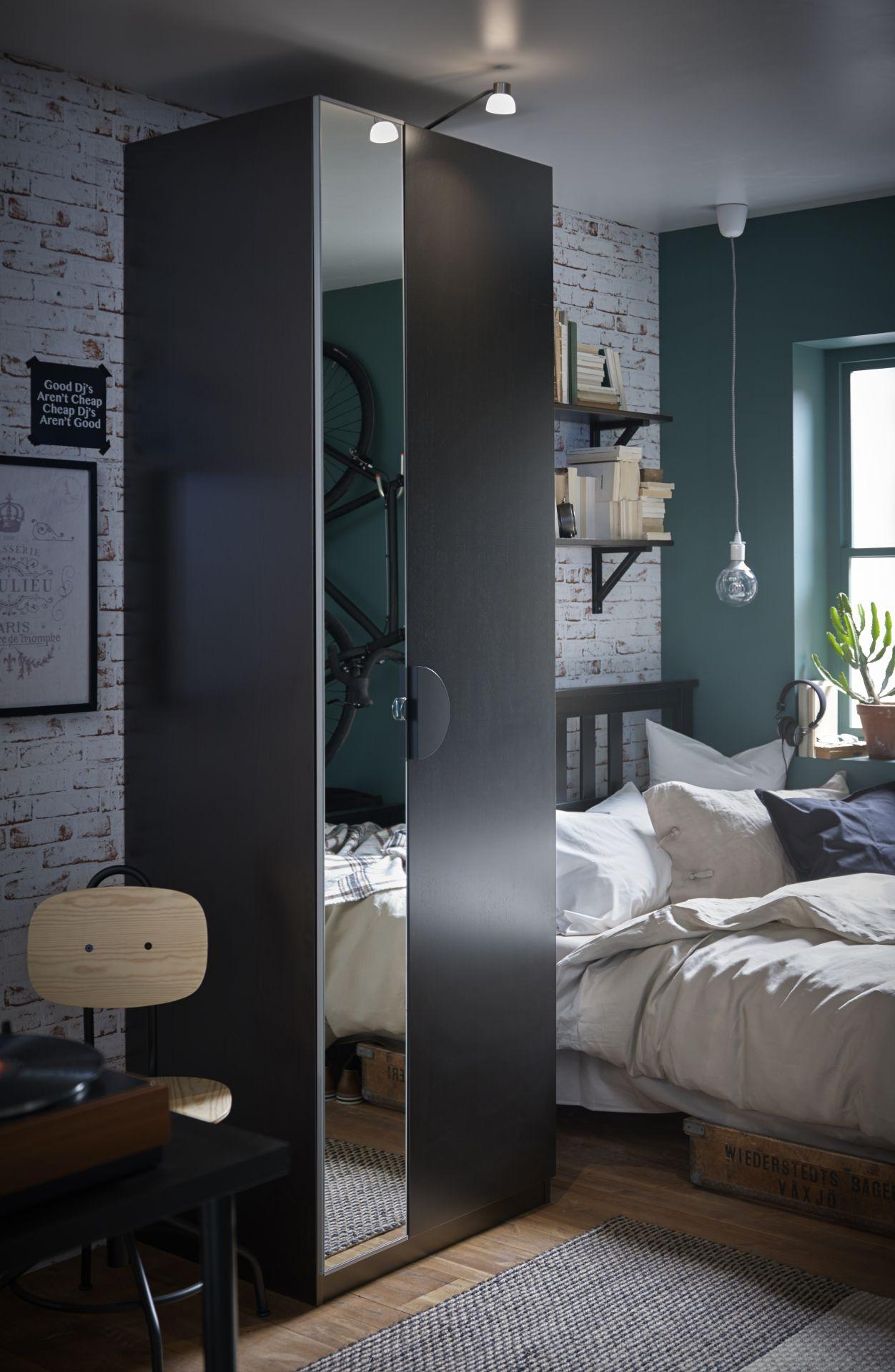 ikea deutschland wenn man nicht viel platz in die breite hat f r den kleiderschrank dann aber. Black Bedroom Furniture Sets. Home Design Ideas
