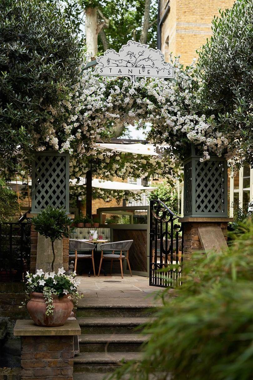 London S Prettiest Restaurants With Gardens In 2020 London Restaurants English Country Gardens Courtyard Restaurant