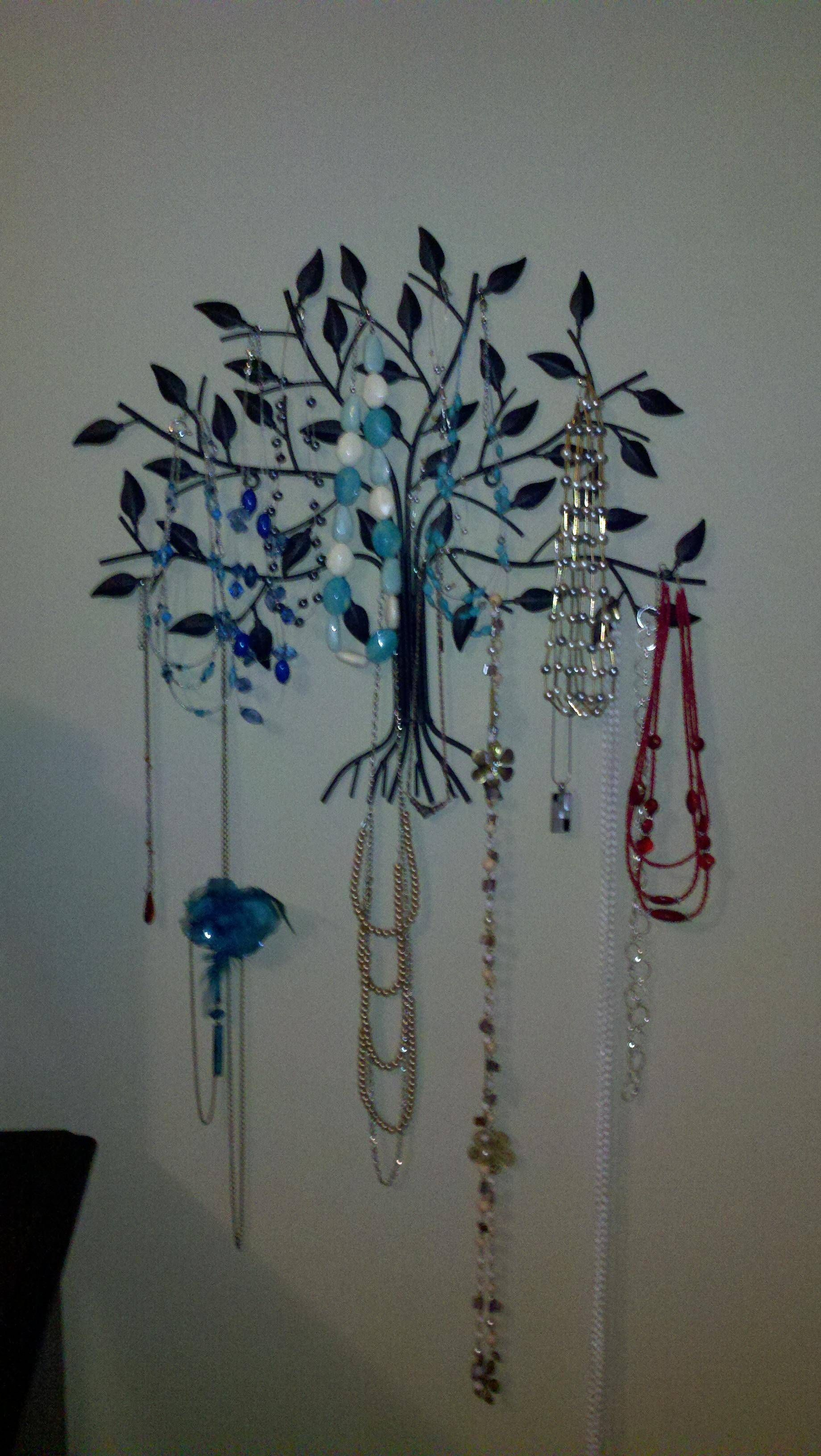 Metal wall decor from Hobby Lobby turned into necklace storage *Decor for my home* Pinterest ...