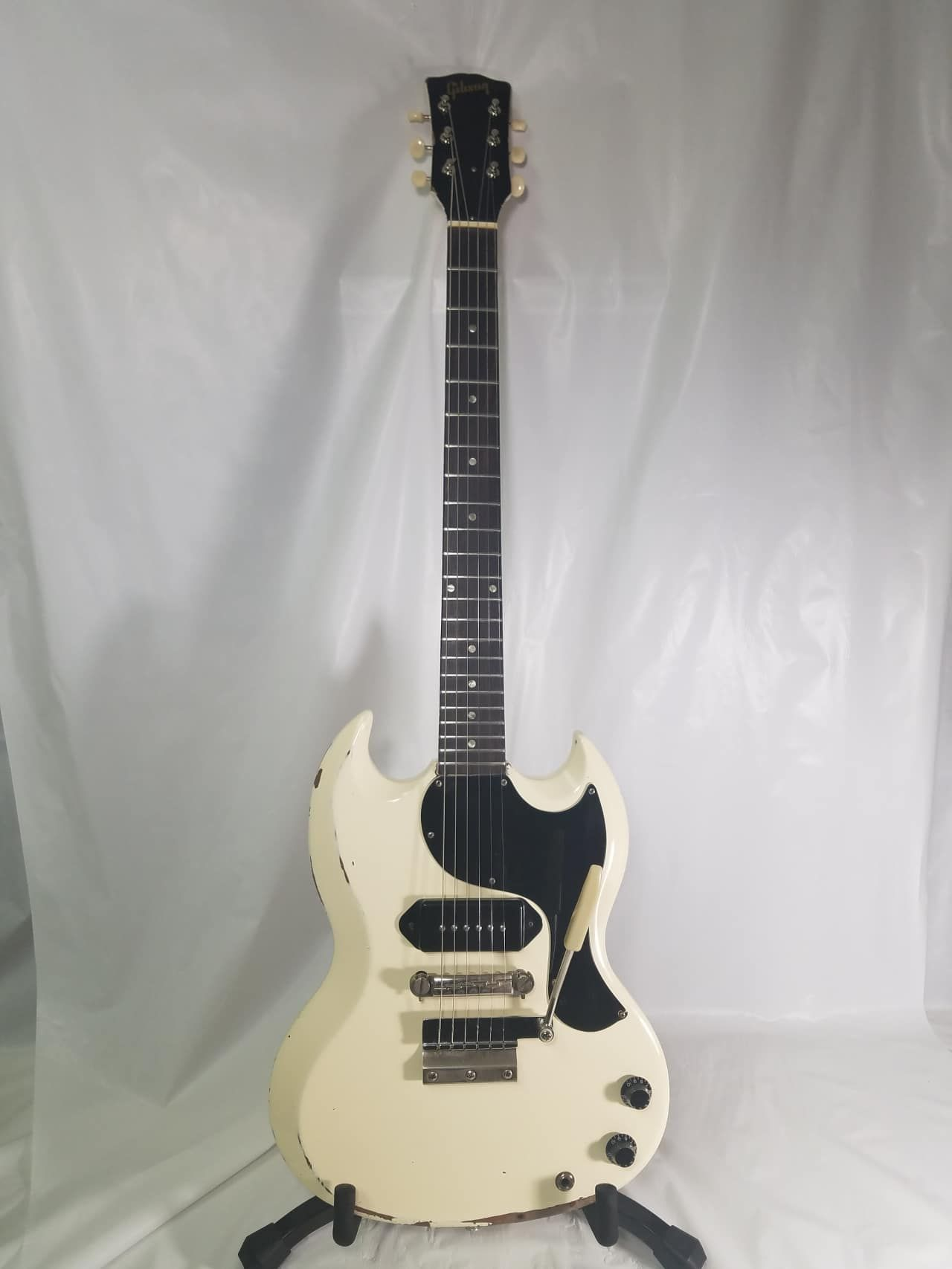 1965 Gibson SG in Polaris whiteWeight 6 6 lbsThis guitar