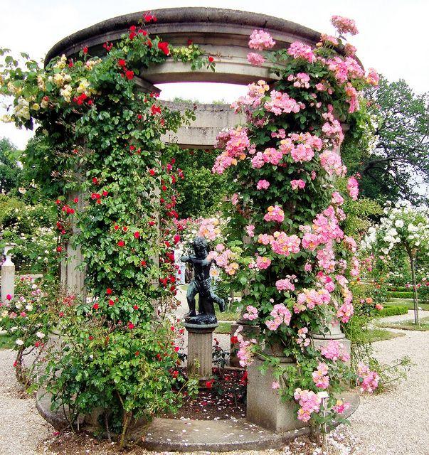 Roseraie de l'Hay, outside of Paris, France.  Photo: wouma, via Flickr