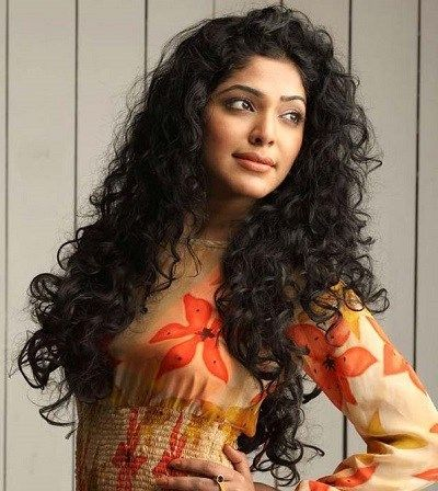 22 Indian Celebrities With Curly Hair Hair Clothing Style Curly