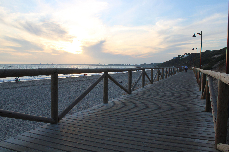 pasarela en la playa de el ancla en El Puerto de Santa María
