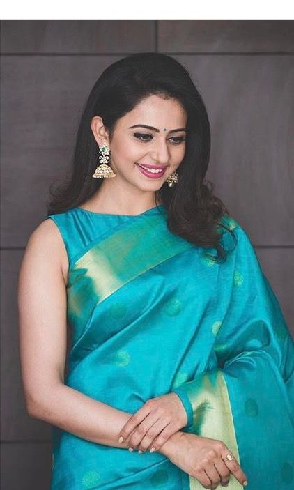 51d5497834a130 diamond jhumkas and Kanchi saree with sleeveless blouse