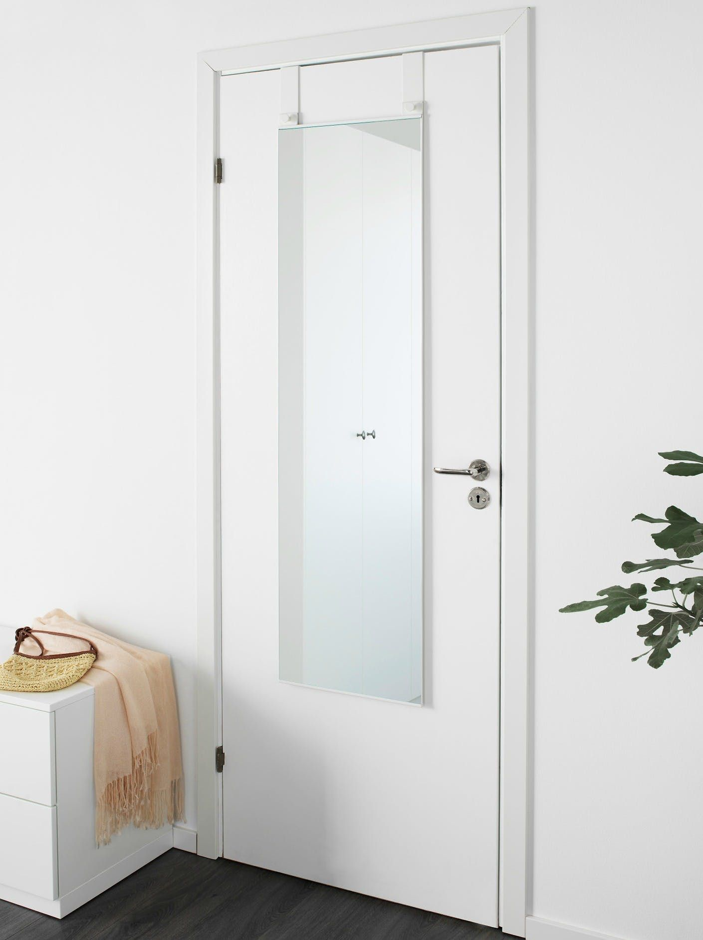 how to hang a mirror on a door with hooks