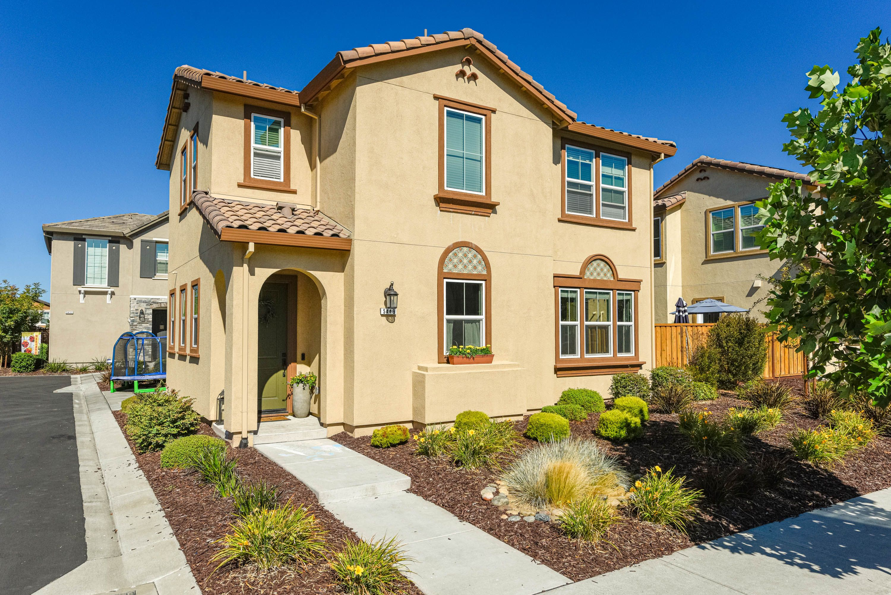 Newer 3 Bedroom Home For Sale In Rohnert Park Country Real Estate Rohnert Park Home