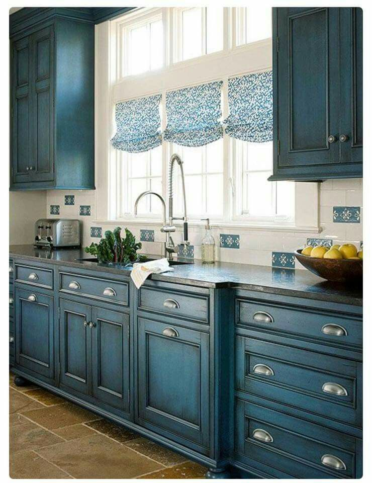 Really Like The Blue Cabinets Maybe Not For My House But They Are Diffe