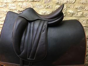Butet PRO Dressage Saddle - made in France | tack | Dressage