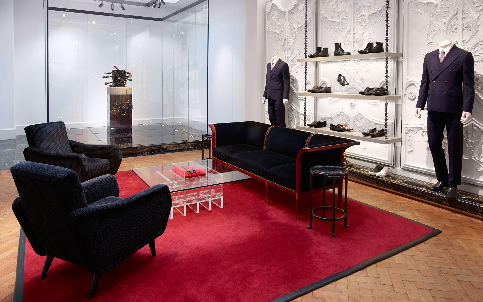 10 top contemporary interior designers - David Collins. Feel inspired: www.luxxu.net | #interiordesign #bestinteriordesigners #marmolradziner #bespoke #contemporarydesign