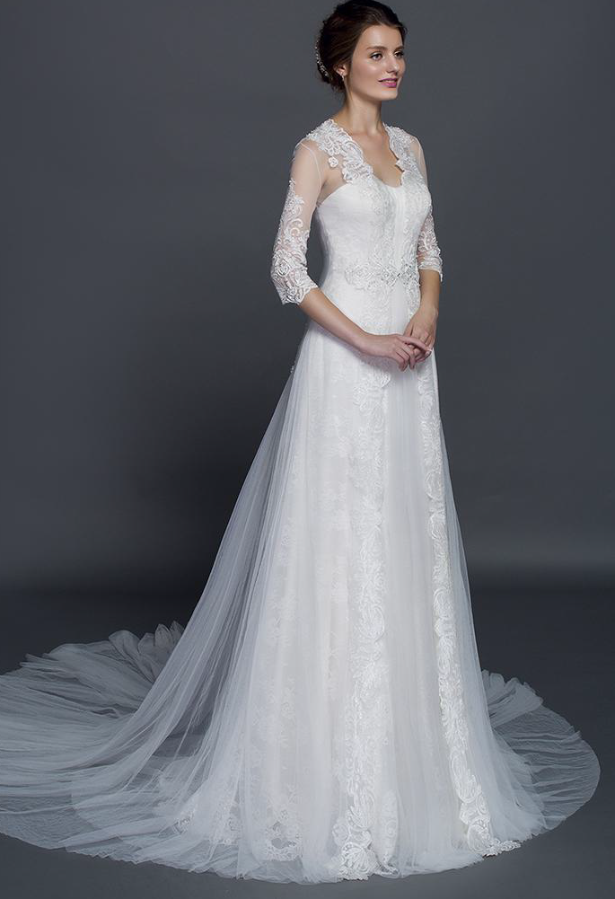 4549008eb4 Wedding gowns with Lace sleeve Jacket - Darius Cordell | CURVEY ...