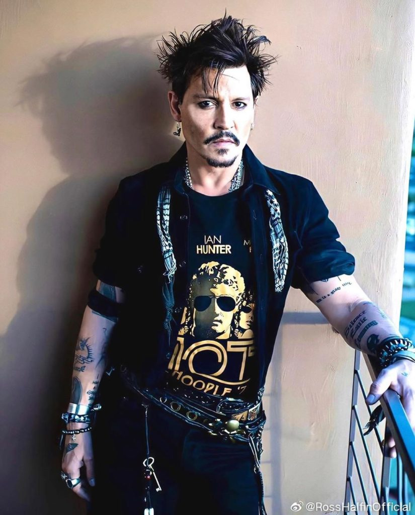 Best Pin On Johnny Depp 640 x 480