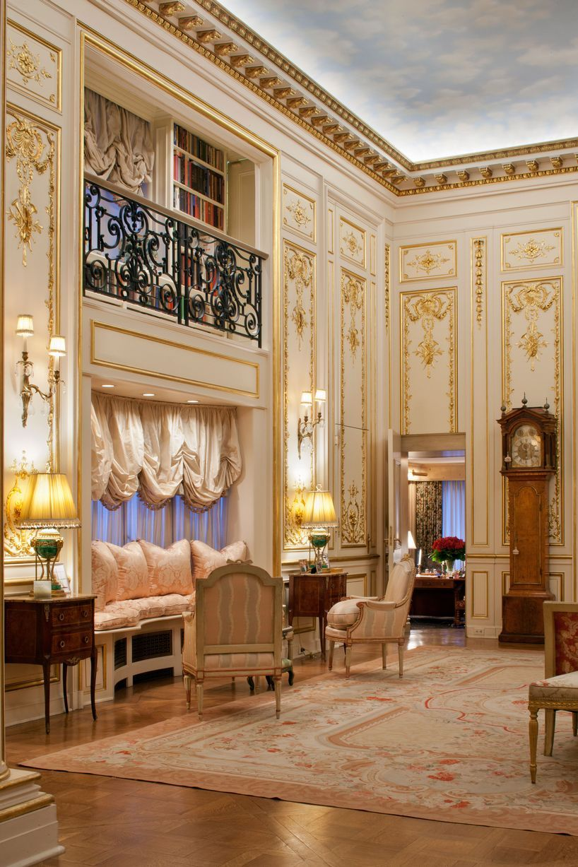 See Inside Joan Rivers Opulent 35million New York Apartment Featuring Gold Plated Walls Nyc Apartment Luxury Apartments Upper East Side Apartment