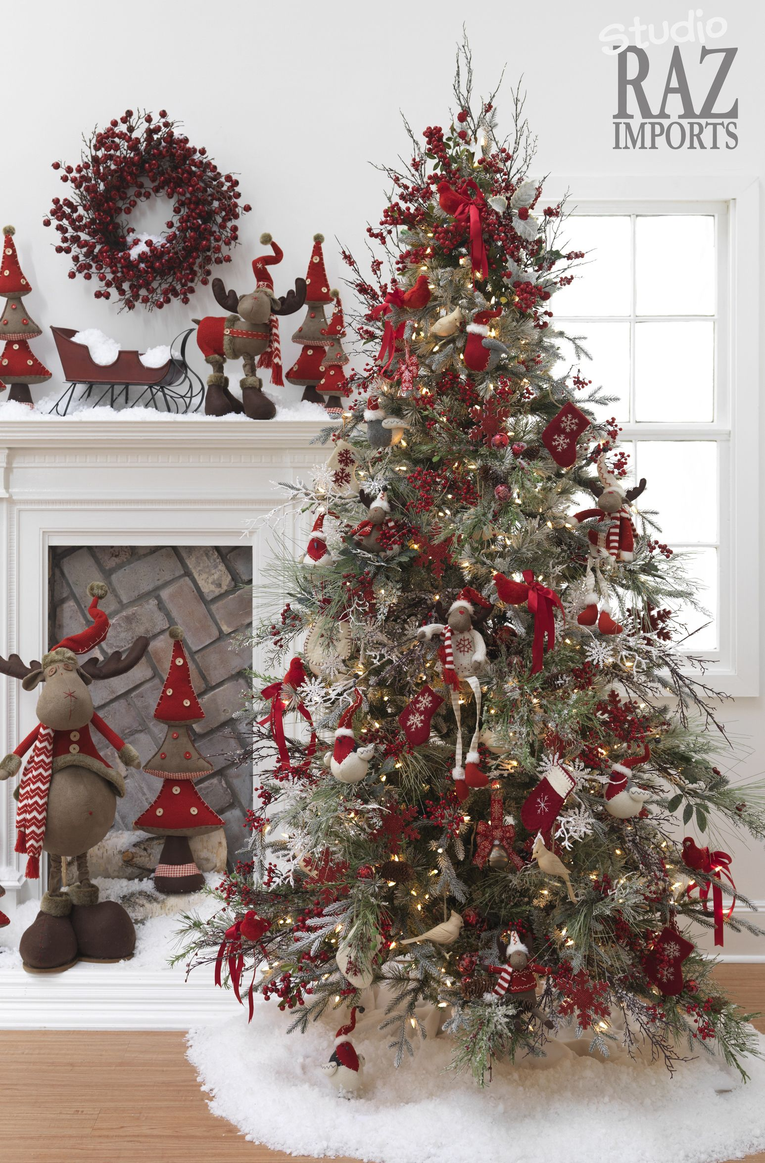 Reindeer And Birds Beautiful Christmas Trees Beautiful Christmas Christmas Decorations