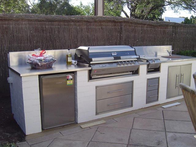 Outdoor kitchen australian outdoor kitchen designs for Outdoor kitchen designs for small spaces