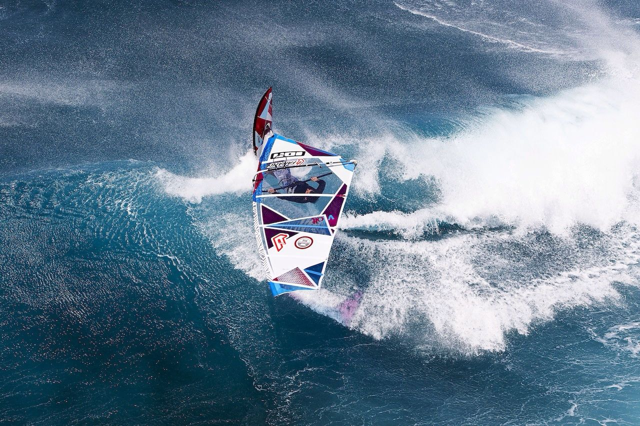 Windsurfer ready to fly