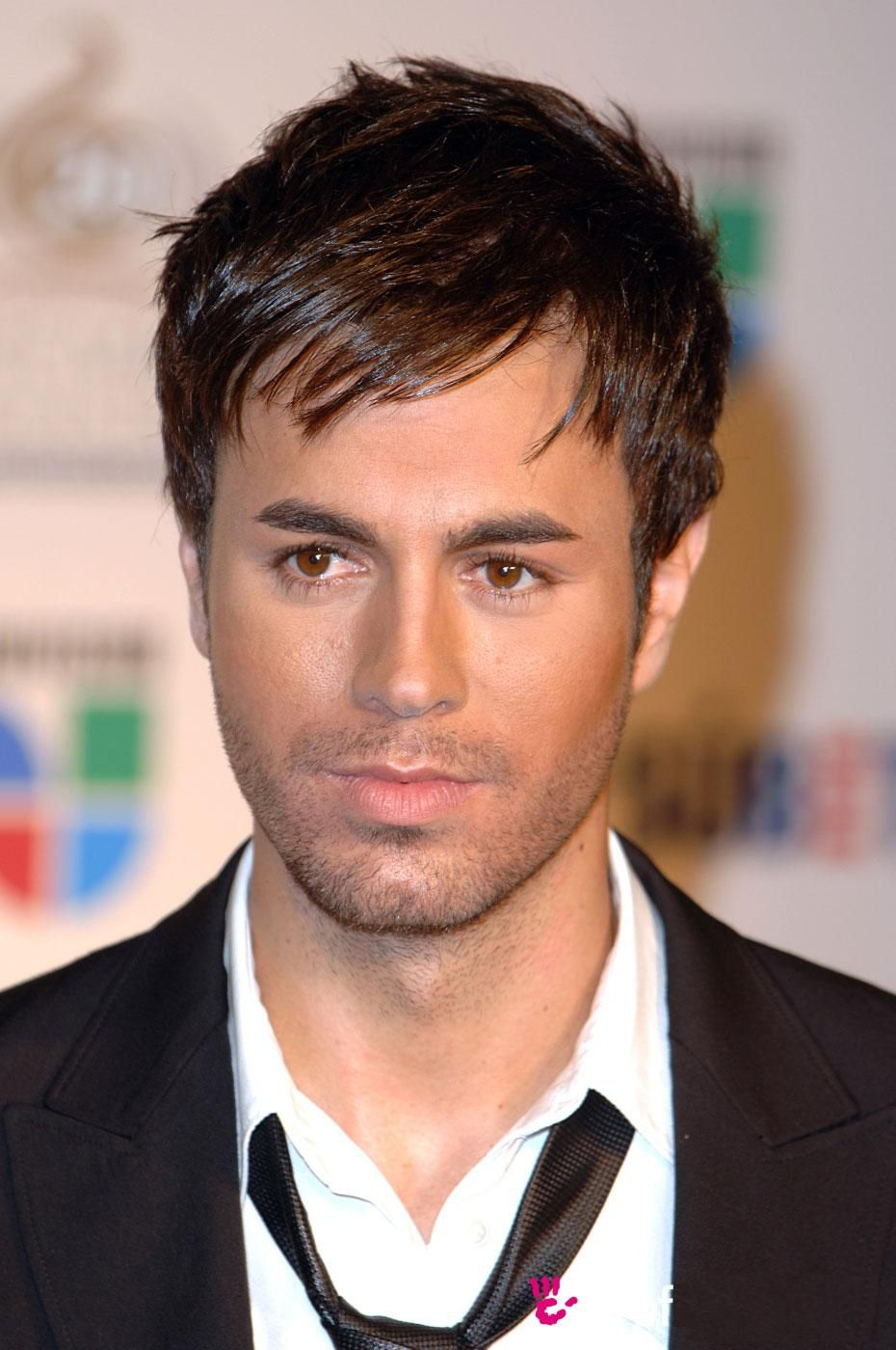 Enrique Iglesias Short Hair Styles 2011 Guys Fashion Trends 2013 Oval Face Hairstyles Oval Face Men Thick Hair Styles