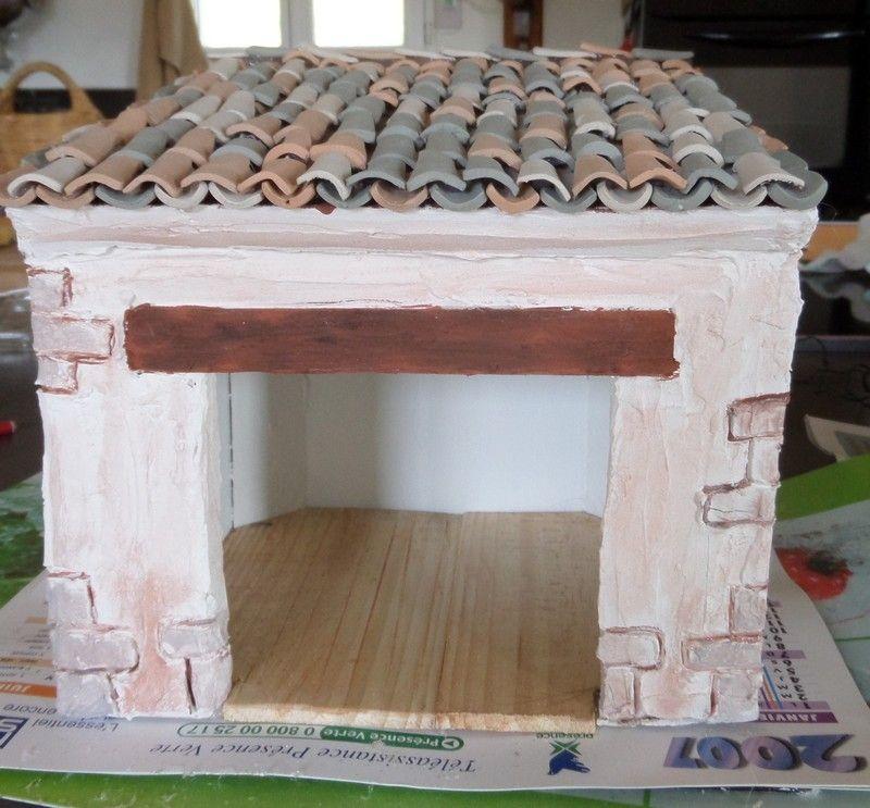 Comment r aliser une maison de cr che de no l en placo pl tre les r alisations de colette du - Comment fabriquer une creche de noel ...