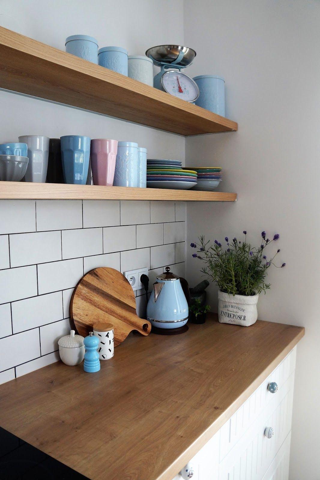 Biała Kuchnia Otwarte Półki Drewniane Półki Kuchnia Waga