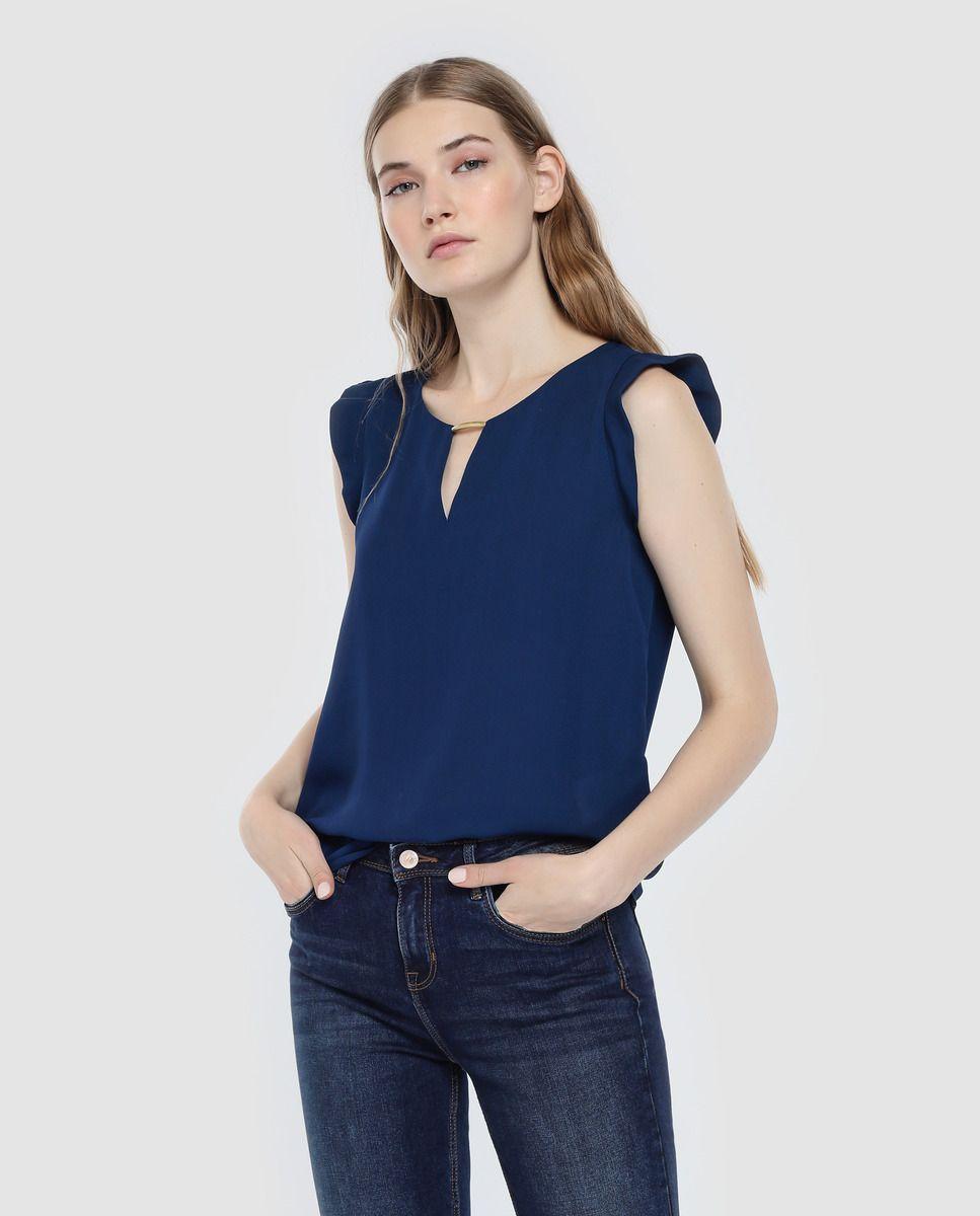 e4cc3bbe9 Blusa de mujer Fórmula Joven azul marino con aplique metálico · Fórmula  Joven · Moda · El Corte Inglés