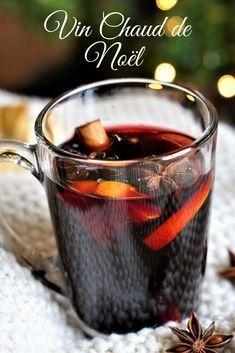 Nouvelle recette de vin chaud traditionnel alsacien! Une boisson chaude aux épices très facile à préparer et parfaite pour se réchauffer à la période de Noël en dégustant un délicieux pain dépices ! #recette #recette #vinchaud #vindenoel #noel #recettedenoel #boisson #épices #food #recipe #cannelle #tradition #recettepaindépices