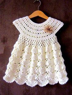 Modelos modernos y variados de vestidos de crochet para bebe #vestidosparabebédeganchillo