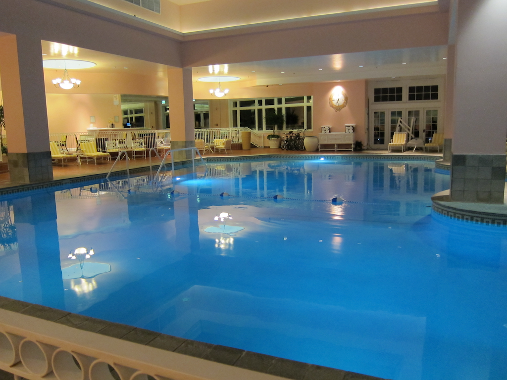 indoor pool at the broadmoor i want one of these in my house too