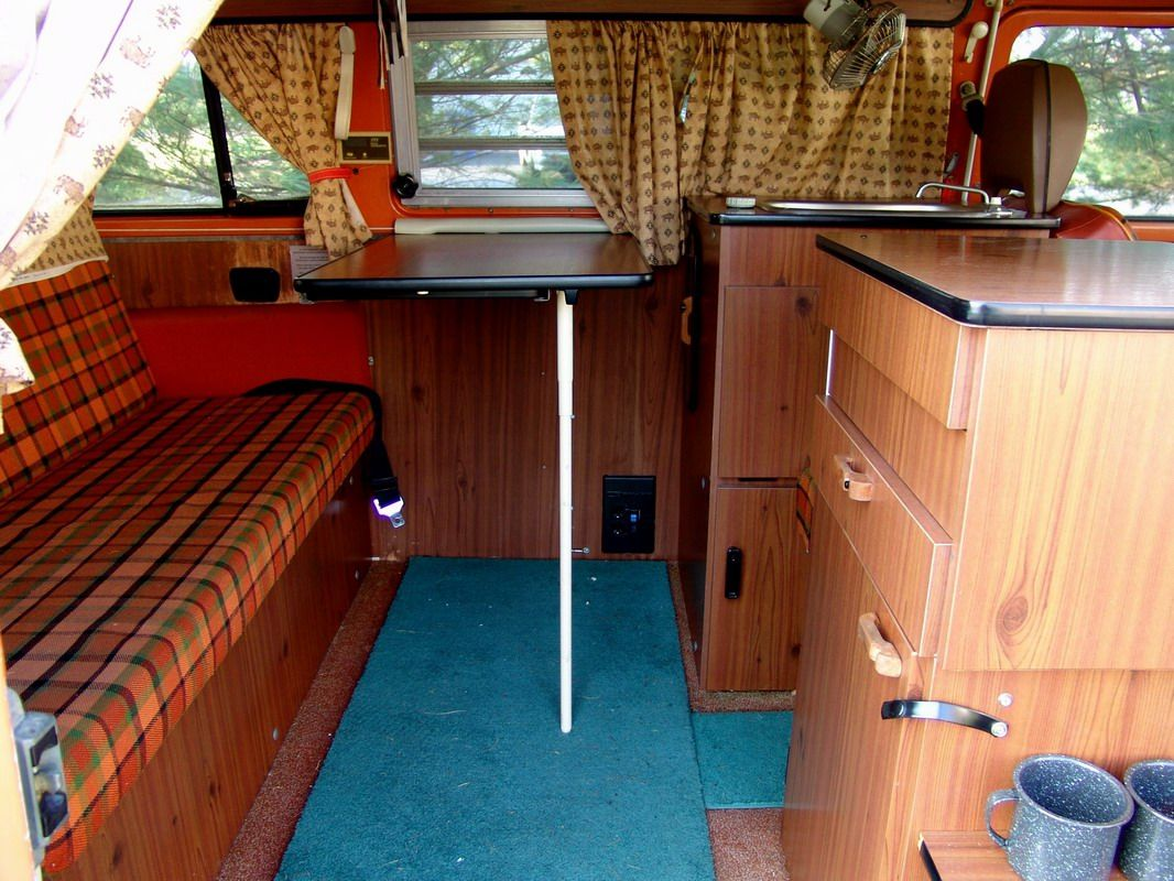 Interieur Buscamper 1974 Westfalia Camper Burnt Orange Interior | Sobre Ruedas