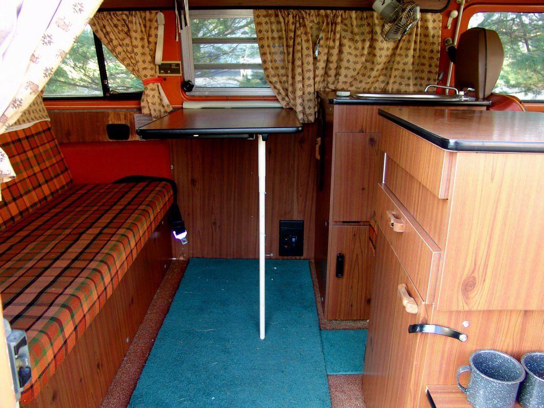 1974 Westfalia Camper Burnt Orange Interior Sobre Ruedas