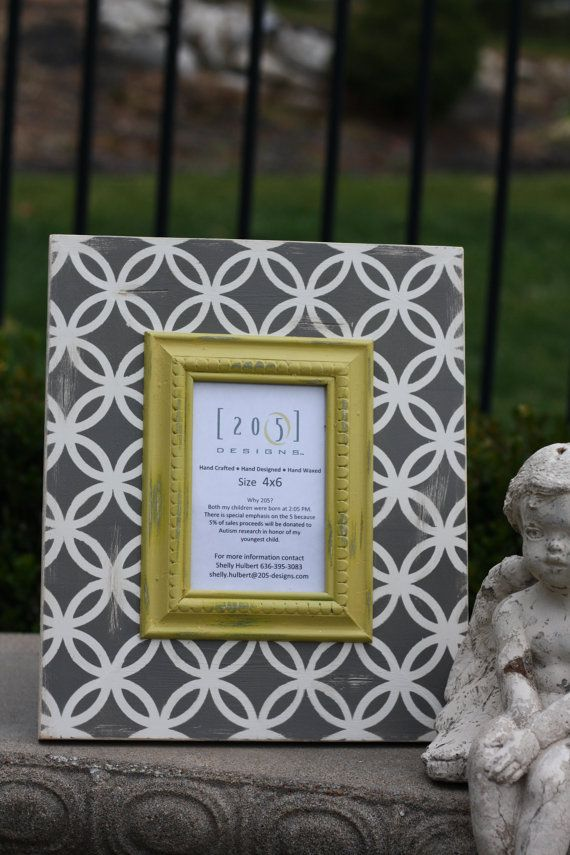 4x6 Linked Circle Frame Lightly Distressed Colors Are Dark Grey