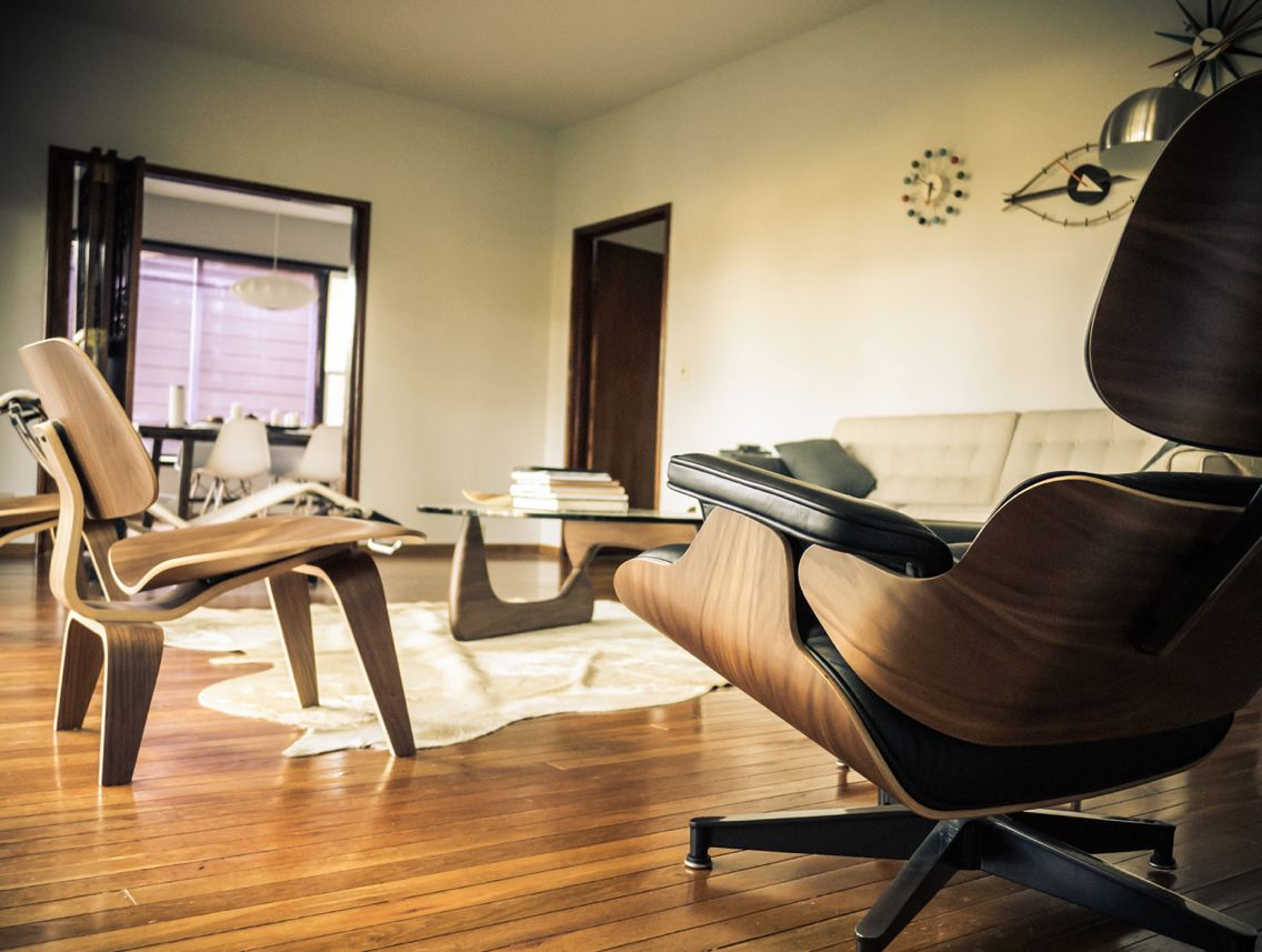 Interieur design by charles eames lounge chair 1956 for Bauhaus eames chair